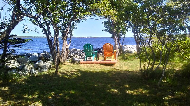 Mermaid Cove Cottage, charming waterside glamping..., holiday rental in Barrington