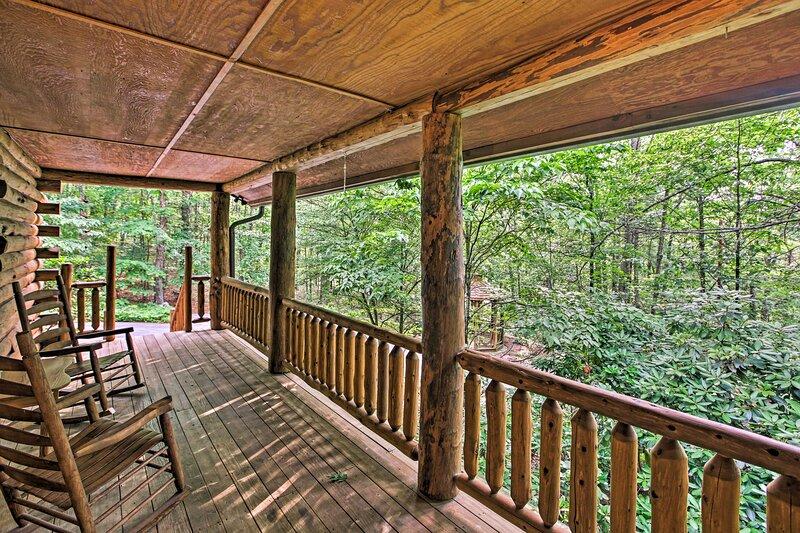 NEW! Remote Cabin Retreat By Blue Ridge Mtn Trails, aluguéis de temporada em New Castle