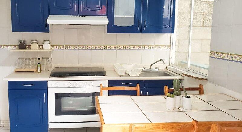 Casita Clavel Azul tranquila y llena de luz, holiday rental in Chipilo