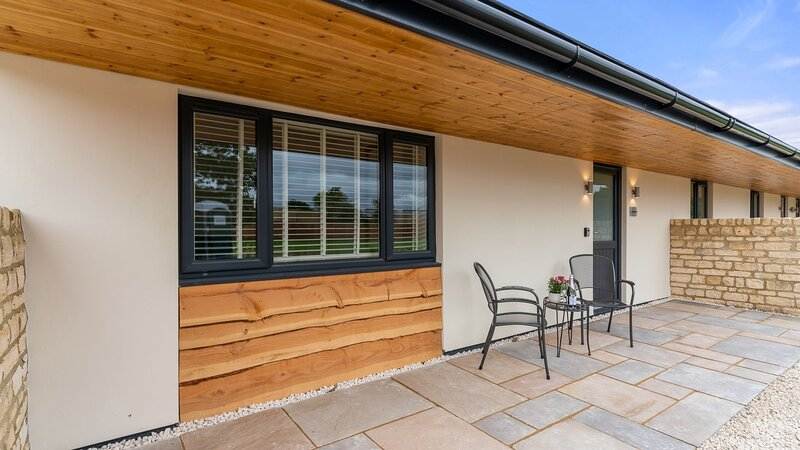 Daffodil Barn, Gretton Fields - sleeps 2 guests  in 1 bedroom, holiday rental in Little Washbourne