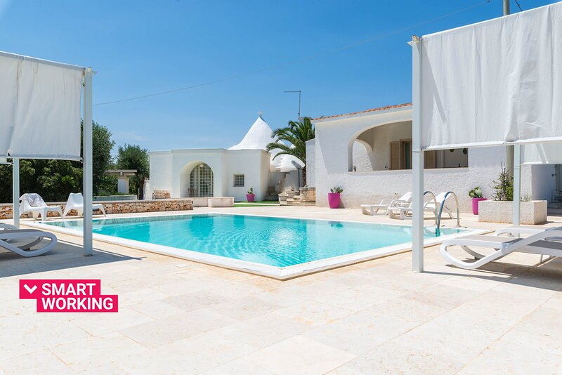 Villa d'Itria with trullo and pool by Wonderful Italy, holiday rental in Casalini di Cisternino