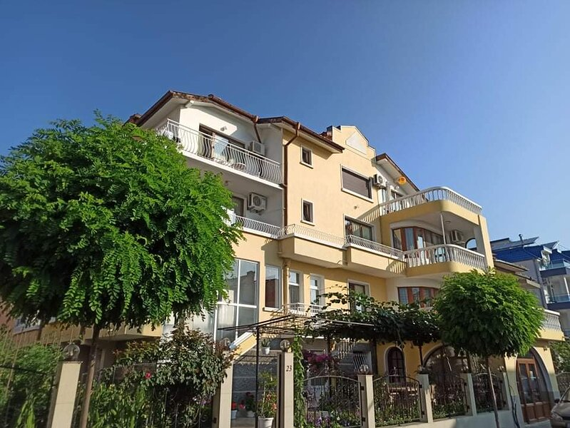 Summer apartment №1 'Kiten', holiday rental in Ahtopol