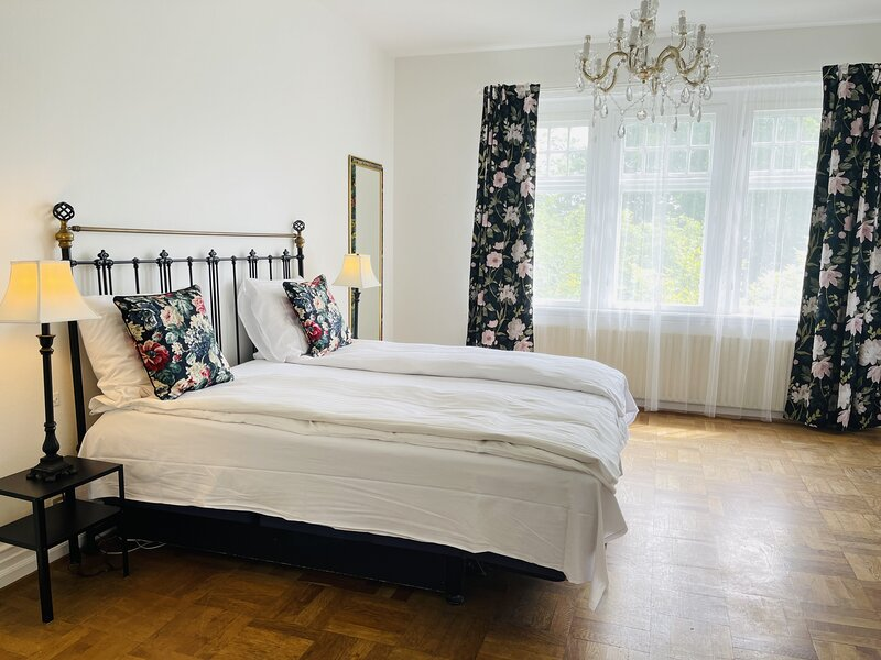 Adnana - Aalborg Mansion - Room 2, holiday rental in Rebild Municipality