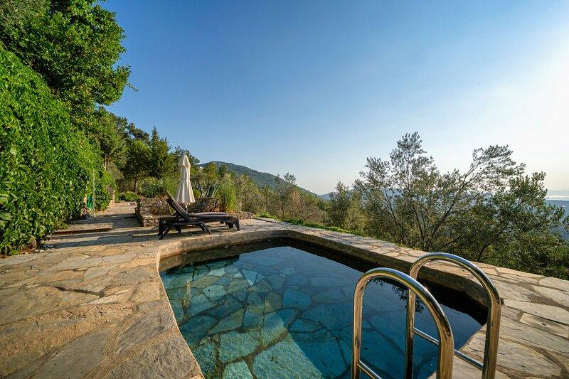 3 Bedroom Villa with Private Pool in Gokceovacik Gocek, vakantiewoning in Gocek