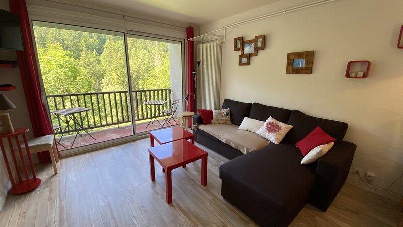 T3 FONT D'ALAGNON RDC, location de vacances à Le Falgoux