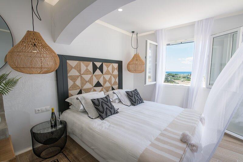 Divine Naxos Villa, holiday rental in Plaka