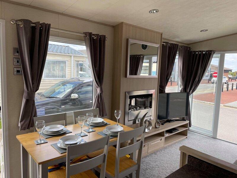Beachcomber - Lyons Robin Hood 3 bedroom 8 berth, casa vacanza a Kinmel Bay