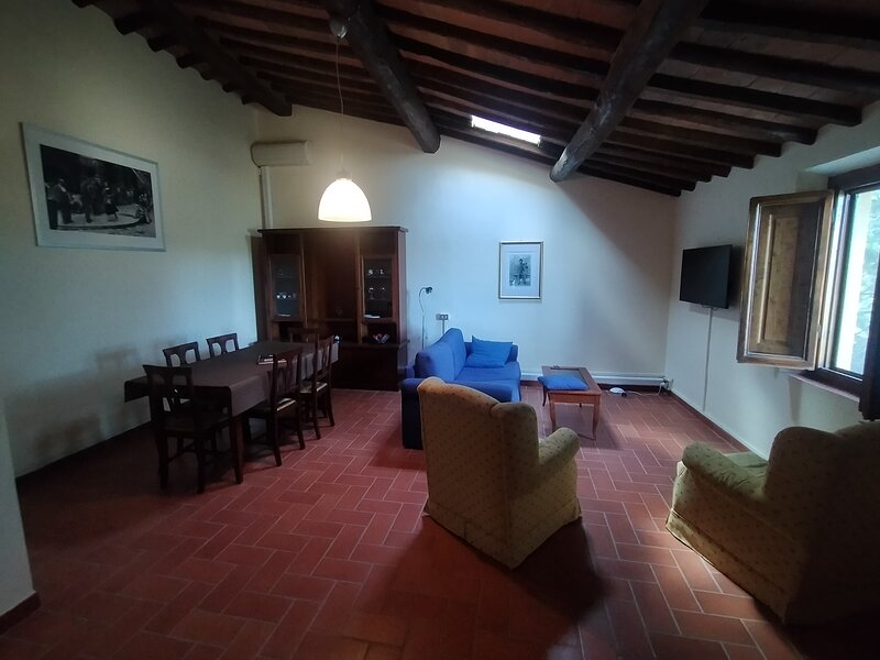 Casa Beppe  is located within the grounds of the historic Villa Meleto, casa vacanza a Castelfiorentino