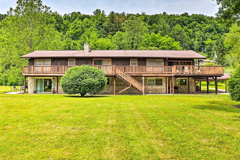 NEW! Richwood Home Near Hiking, Biking & Climbing, alquiler de vacaciones en Webster Springs