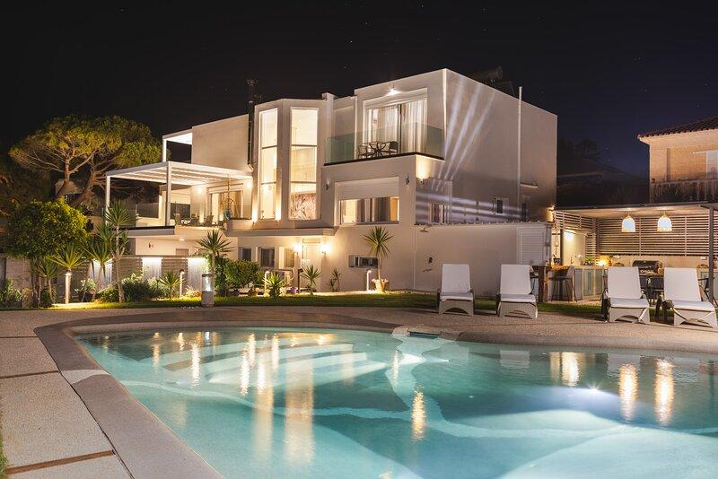 Niki's Villa - Luxury Seaview Villa!, holiday rental in Kyllini