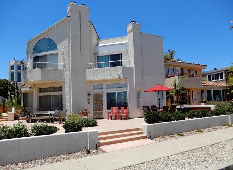 Deluxe Bayfront Home in Mission Bay, Ferienwohnung in San Diego
