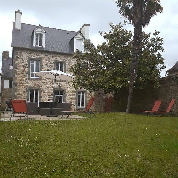 Maison 3 Chambres 6 personnes Au Faou, location de vacances à Landevennec