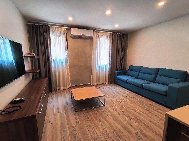 Rabat Old Theatre Apartments F2 - near Mdina for Short Lets Holiday, aluguéis de temporada em Mdina