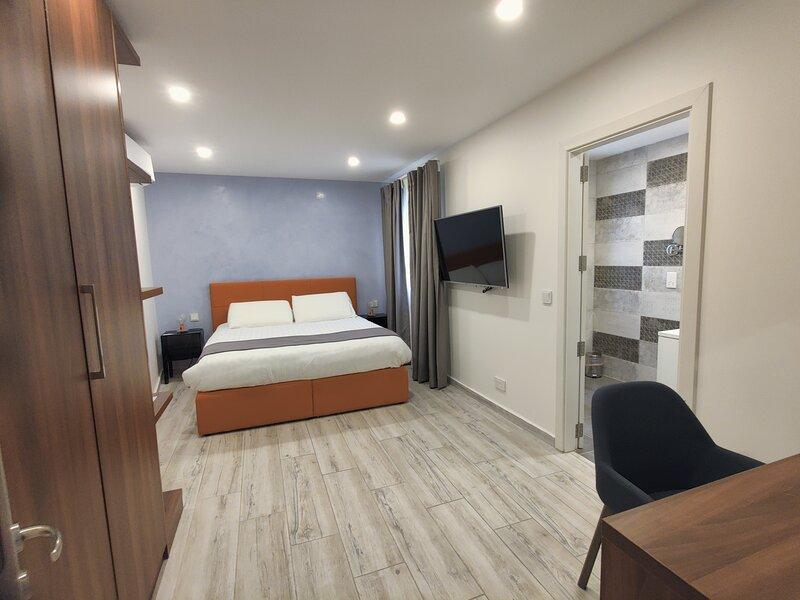 Old Theatre Apartment F5 near Old Capital City Mdina - Short Stays or Long Lets, aluguéis de temporada em Mdina