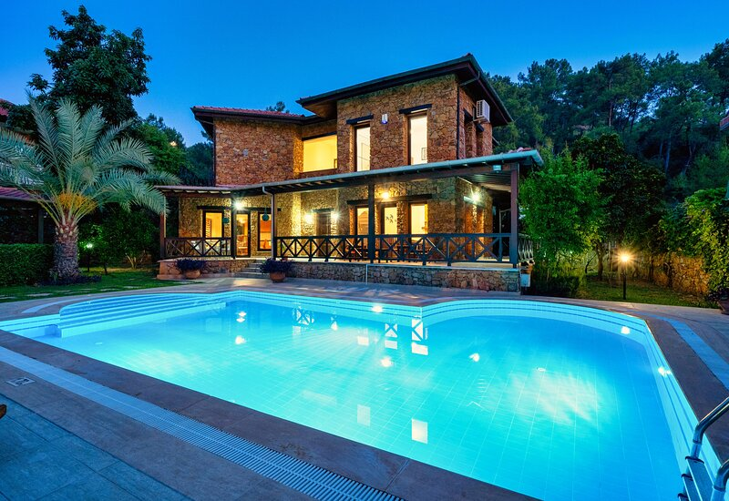 3 Bedroom Private Villa with Swimming Pool in Gocek, vakantiewoning in Gocek
