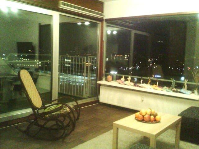 Apartment is in Rotterdam NOT in Barendrecht!Can´t change it!, vacation rental in Bergschenhoek