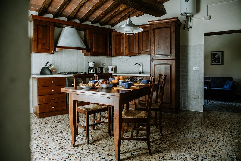 Casa Valente is located within the grounds of the historic Villa Meleto, location de vacances à Castelfiorentino