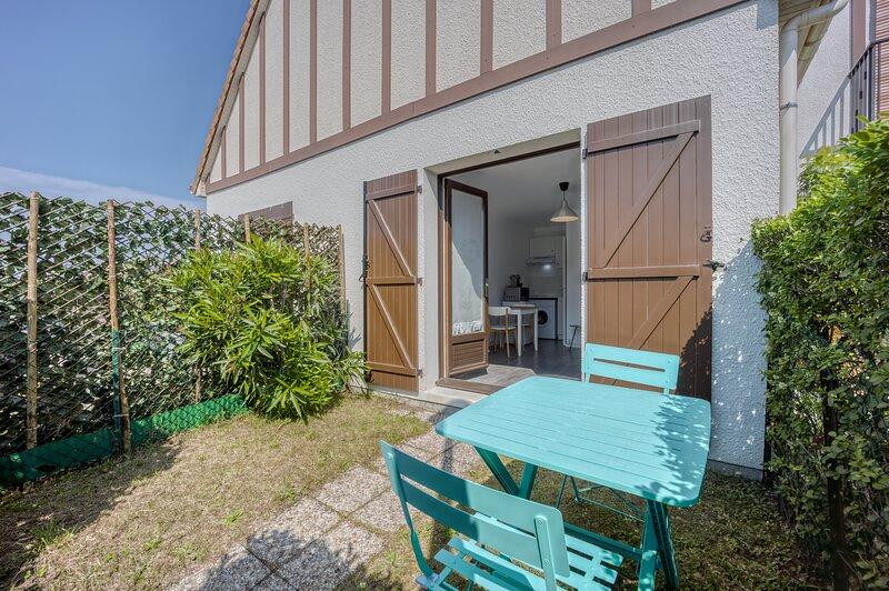 Le Petit Normand - Studio avec jardin à 500 m de la plage, location de vacances à Fontaine-Henry