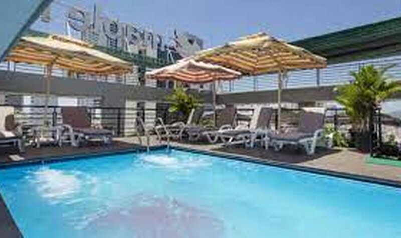 Maple Leaf Hotel-deluxe Double, holiday rental in Medie