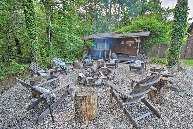 Fire Pit w/ Seating