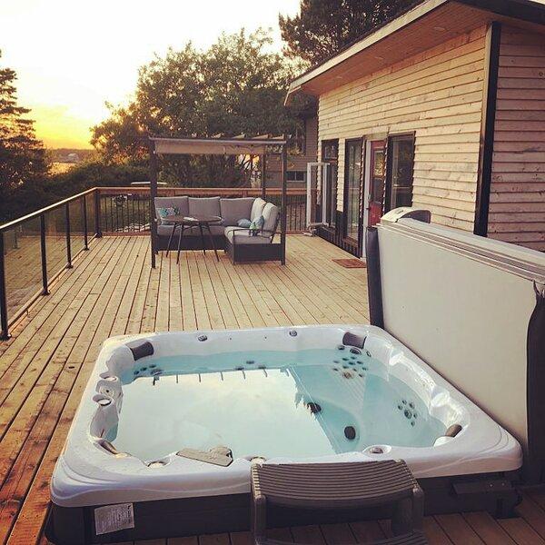 Tiny Oceanfront Retreat, location de vacances à Hunts Point