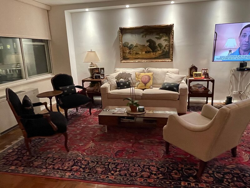 One bedroom one bath full kitchen dining and living area, vakantiewoning in New York