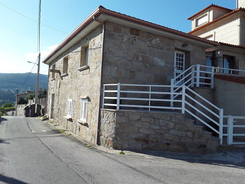 Apartamento Tres Dormitorios, holiday rental in San Xoan de Poio