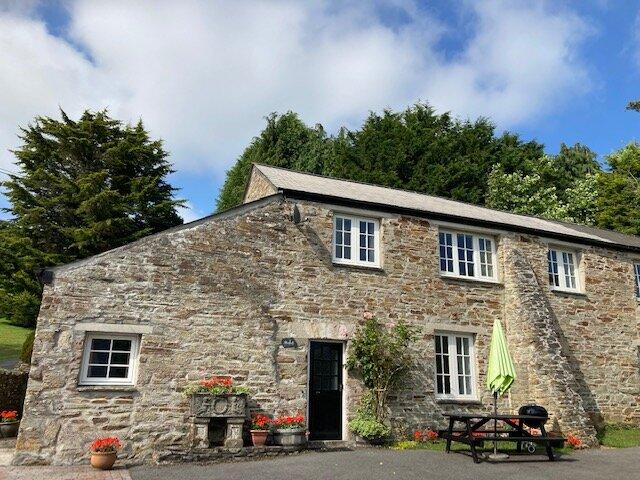 Beautiful 2-bedroom cottage in an 18th century stone farm building, holiday rental in Liskeard