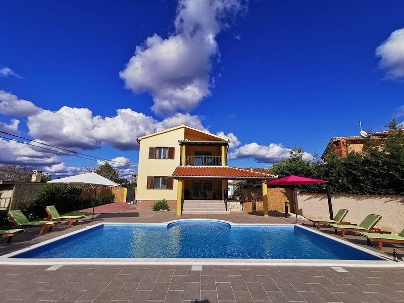 House Ana, holiday rental in Loborika