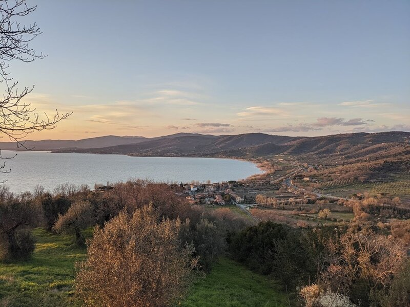 Lago Trasimeno appartamento nel borgo medievale, holiday rental in Villa
