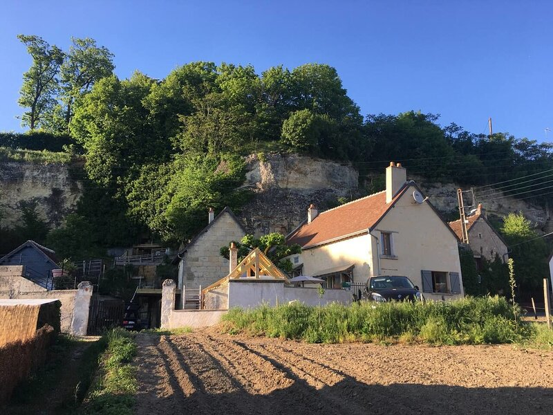 Beautiful house with garden & Wifi, holiday rental in Chateauvieux
