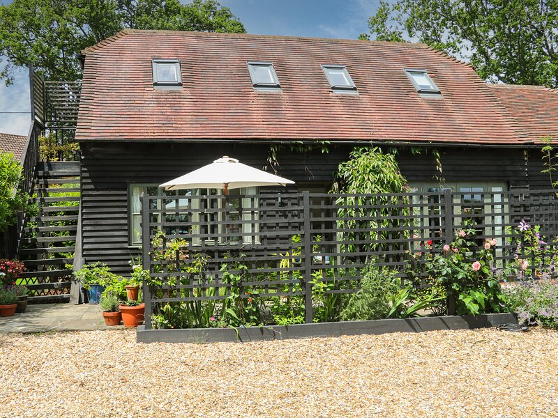 The Barn at Sandhole Cottage, Royal Tunbridge Wells, vacation rental in Tonbridge
