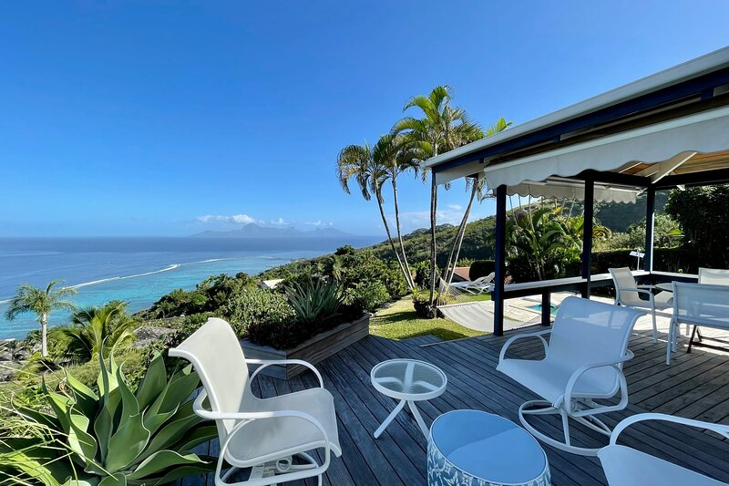 Villa Tiare - Tahiti - breathtaking view, pool & garden - up to 7 pers, casa vacanza a Tahiti