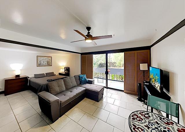 Waiakea Villas Studio | Pool & On-Site Dining | Steps to Wailoa River Park, holiday rental in Papaikou