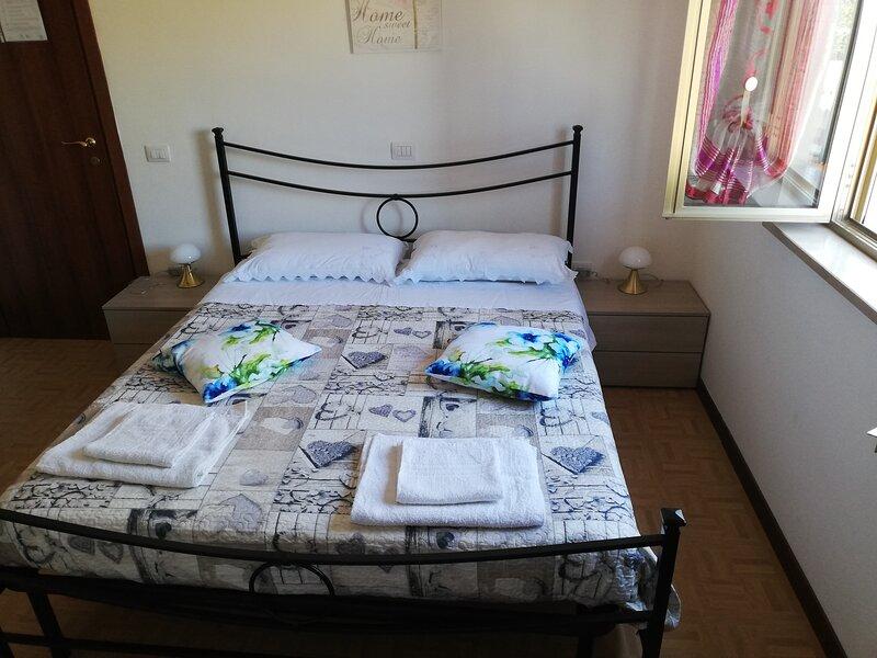 Affittacamere Antoma (Appartamento privato 8 posti letto), holiday rental in Foligno