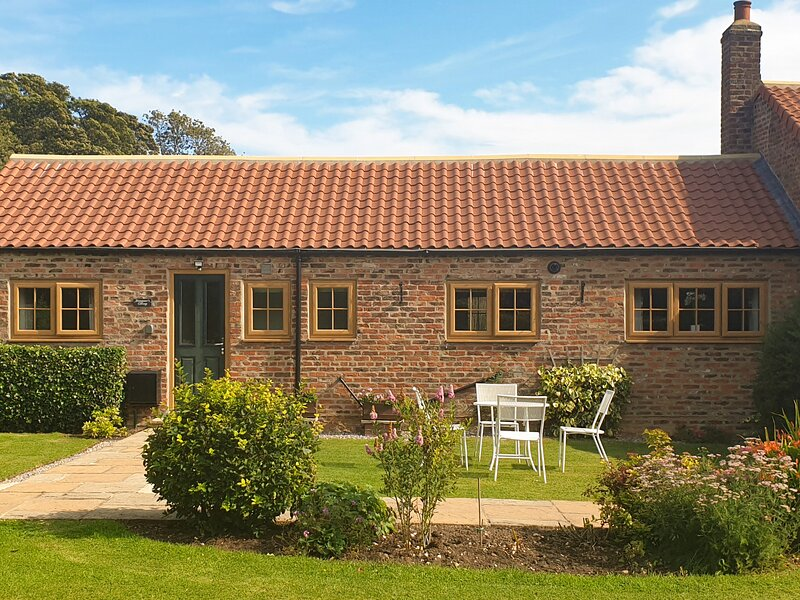 WAGGONER'S COTTAGE, family friendly, with a garden in Bridlington, Ref 8708, alquiler vacacional en Harpham