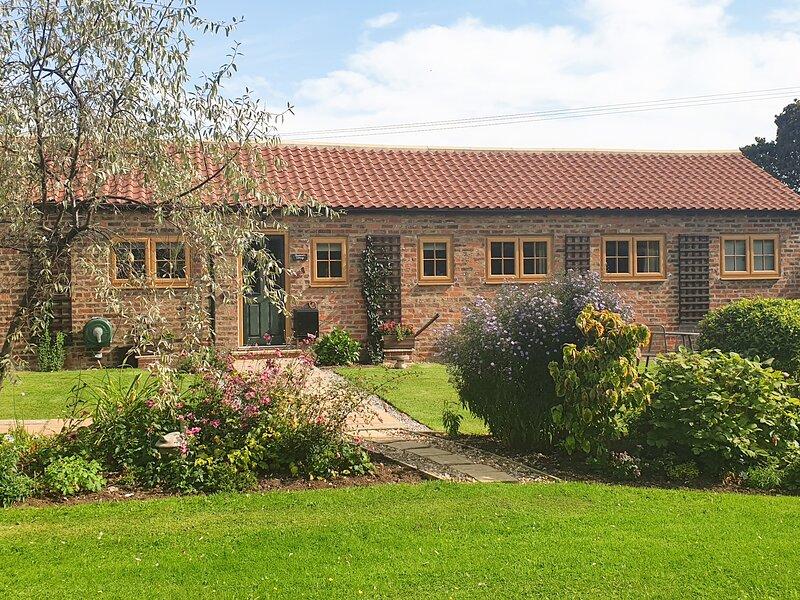 SHEPHERD'S COTTAGE all ground floor, family-friendly, near to coast in, alquiler vacacional en Harpham