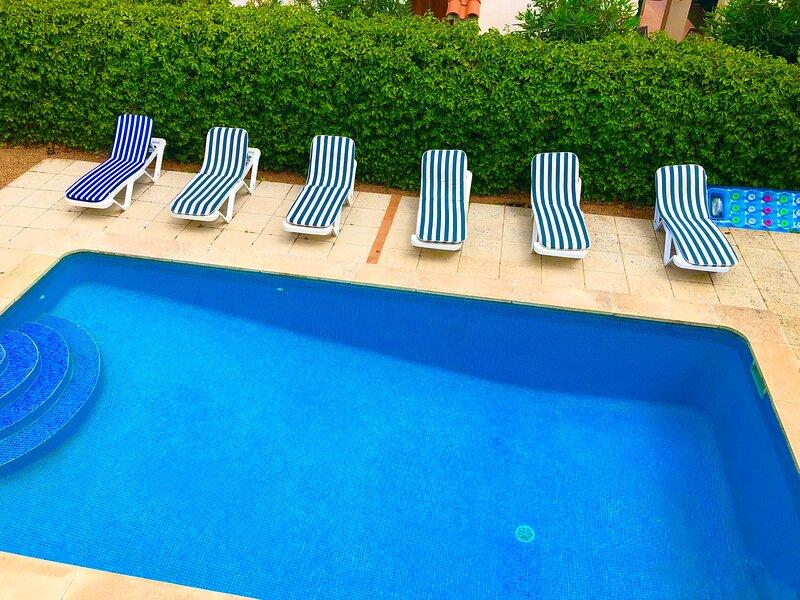 Villa Gabriel - Private pool, Internet, close to the beach & resort facilities, alquiler de vacaciones en Mahón