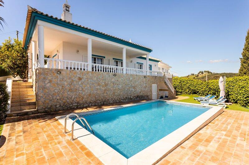 Villa Concha - Great views!, location de vacances à Poio