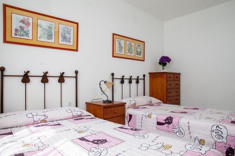 Piso 3 habitaciones 112 m2 con vistas, holiday rental in Granxa
