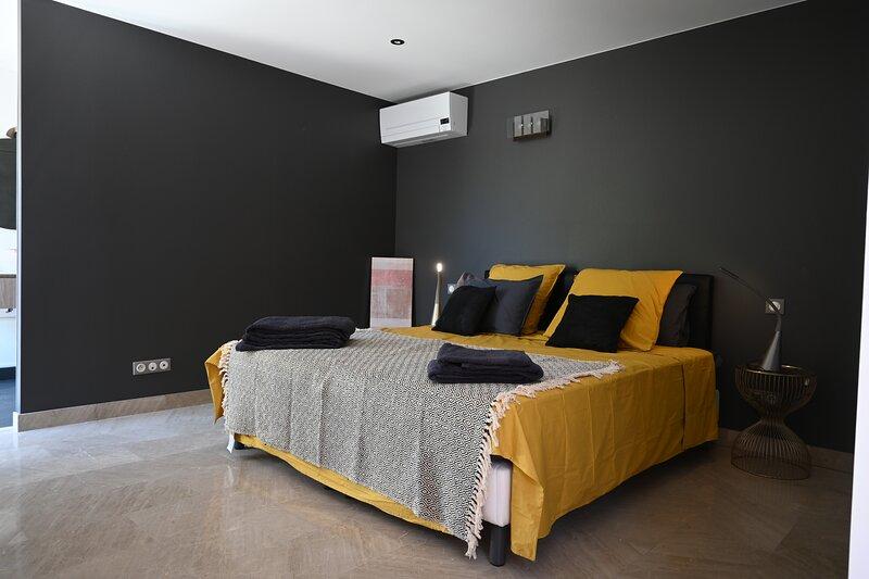 CHAMBRE D'HOTES VILLA MAGNOLIA,HORTUS, holiday rental in Saint-Clement-de-Riviere
