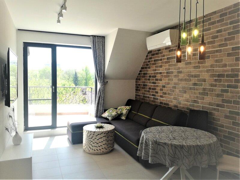 Apartment Cloud 6- Top Center, 360° view, Free private parking, casa vacanza a Peroushtitsa