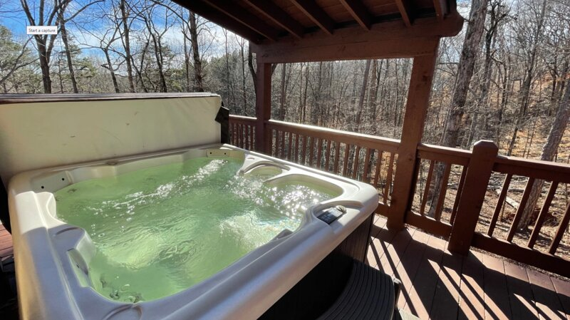 Falling Leaf Lodge   3 BR 3 BA Cabin   Hot Tub   Pool Table   Sauna   Jetted Tub, alquiler vacacional en Demorest