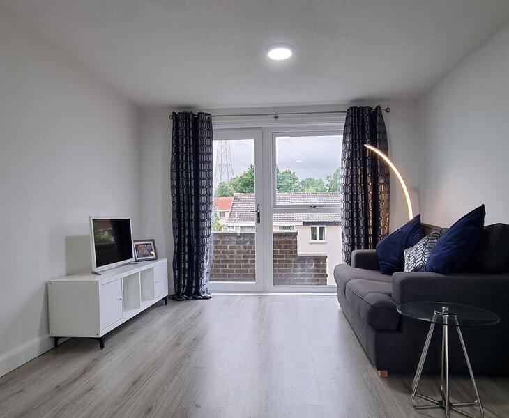 DUNVEGAN APARTMENT, holiday rental in Larbert