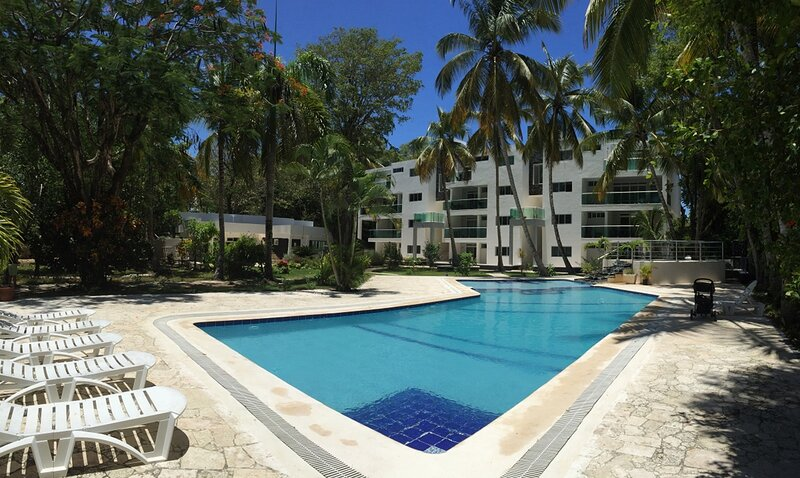 Kids-friendly resort in Perla Marina, steps from the beach, holiday rental in Perla Marina