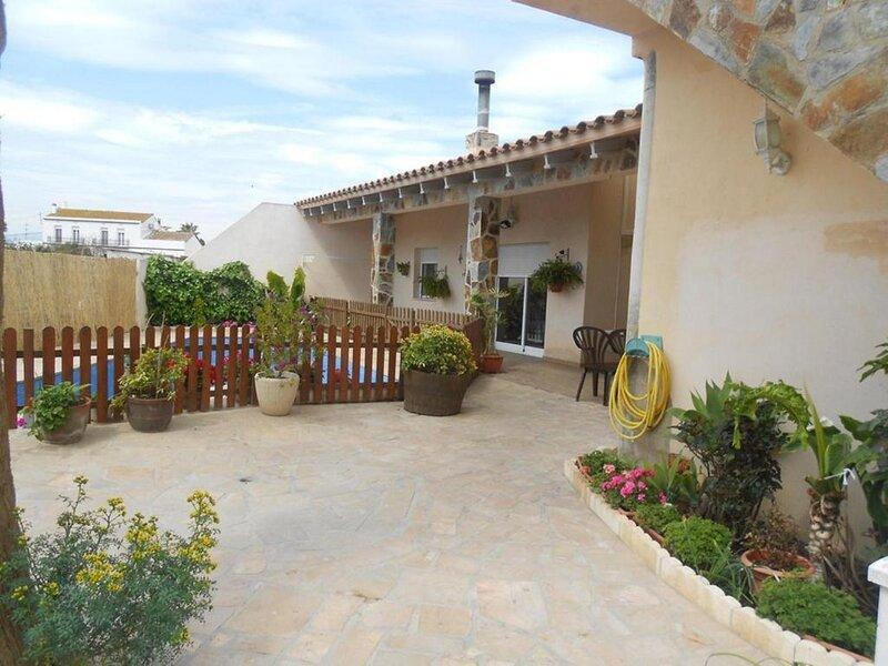 CASA +PISCINA PRIVADA EN DELTEBRE (Tarragona)  9 PERS, alquiler vacacional en Deltebre