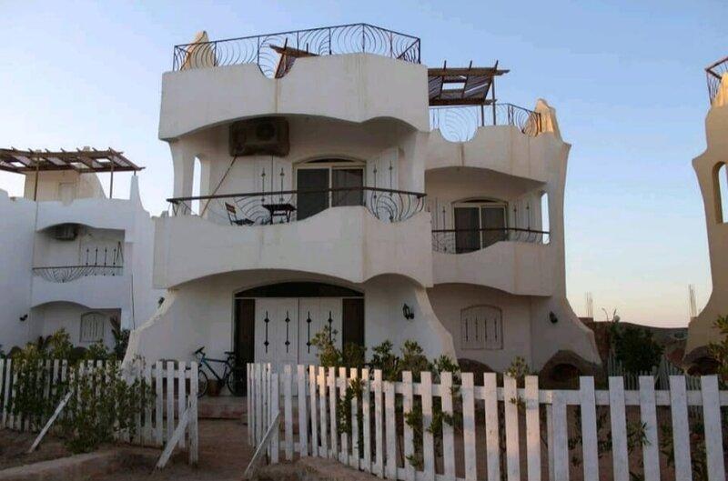 White Villa No.10, holiday rental in Port Safaga
