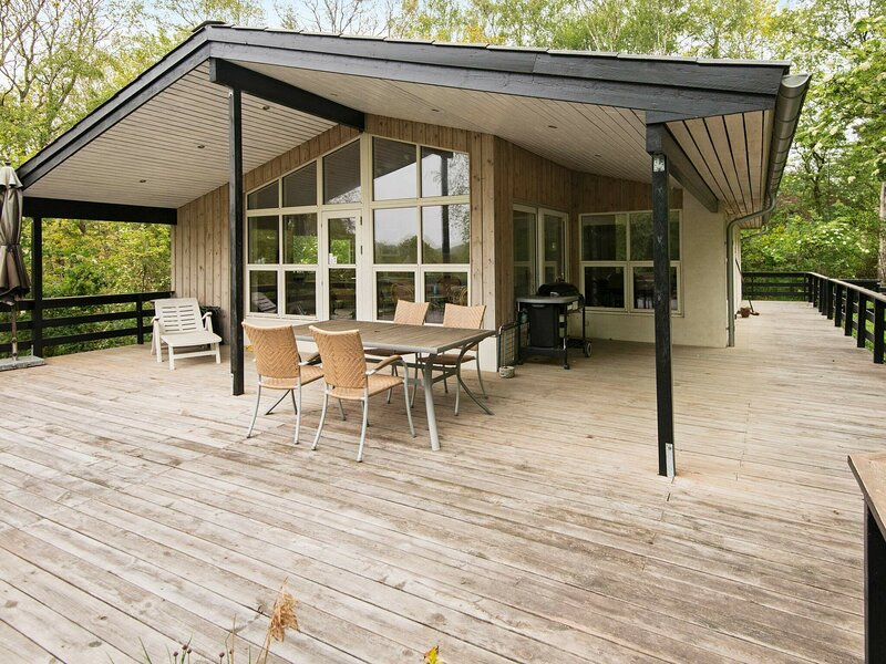 Dreamy Holiday Home in Børkop with Terrace, holiday rental in Egeskov