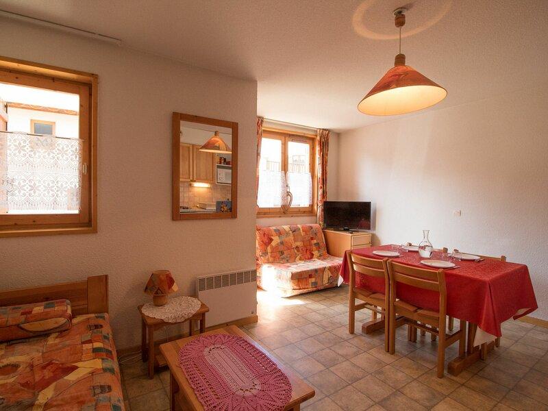 COM213M :Appartement dans quartier calme proche des navettes gratuites et de la, casa vacanza a Bramans
