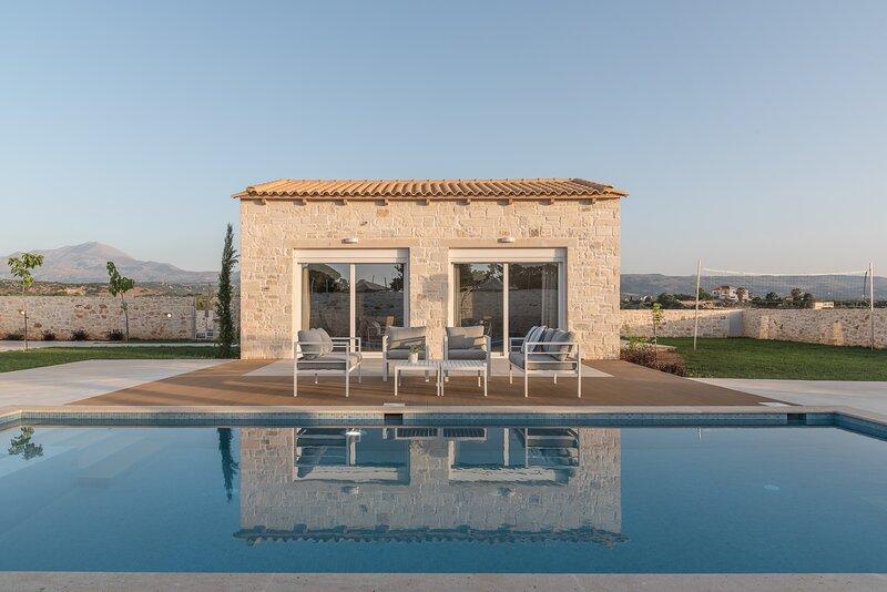 Evaero Villa IV, an ever-so inviting escape!, location de vacances à Skaleta